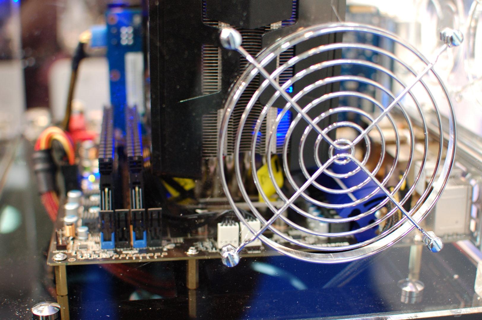 CPU-Kühler mit Vapor-Chamber-Technologie von Sapphire