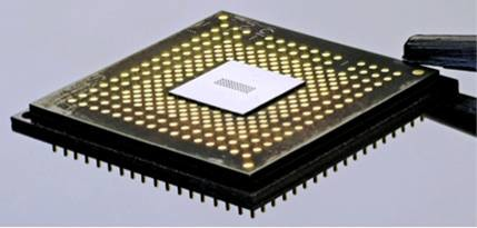 Holey Optochip in optischem Modul