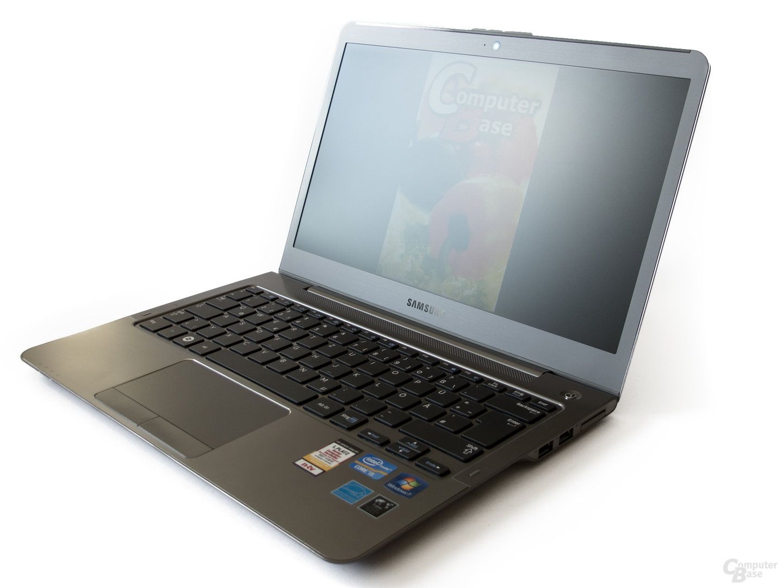 Samsung 530U3B: Display