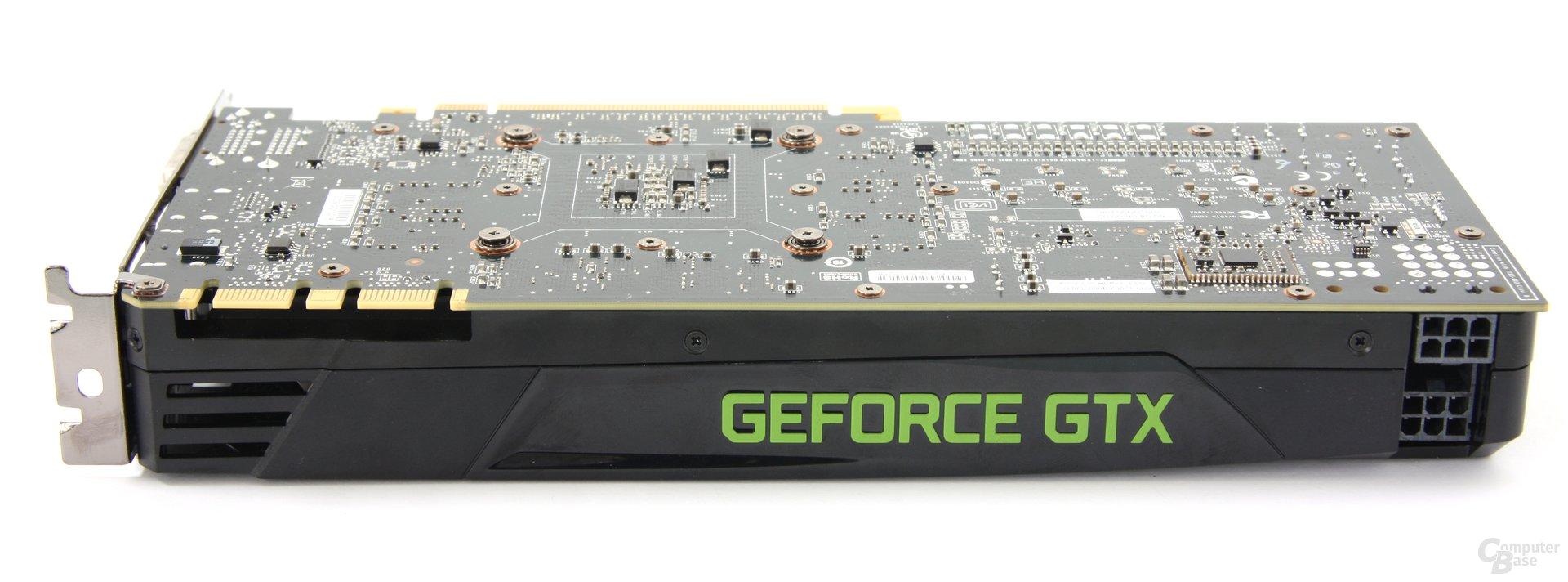 GeForce GTX 680 Seitenansicht