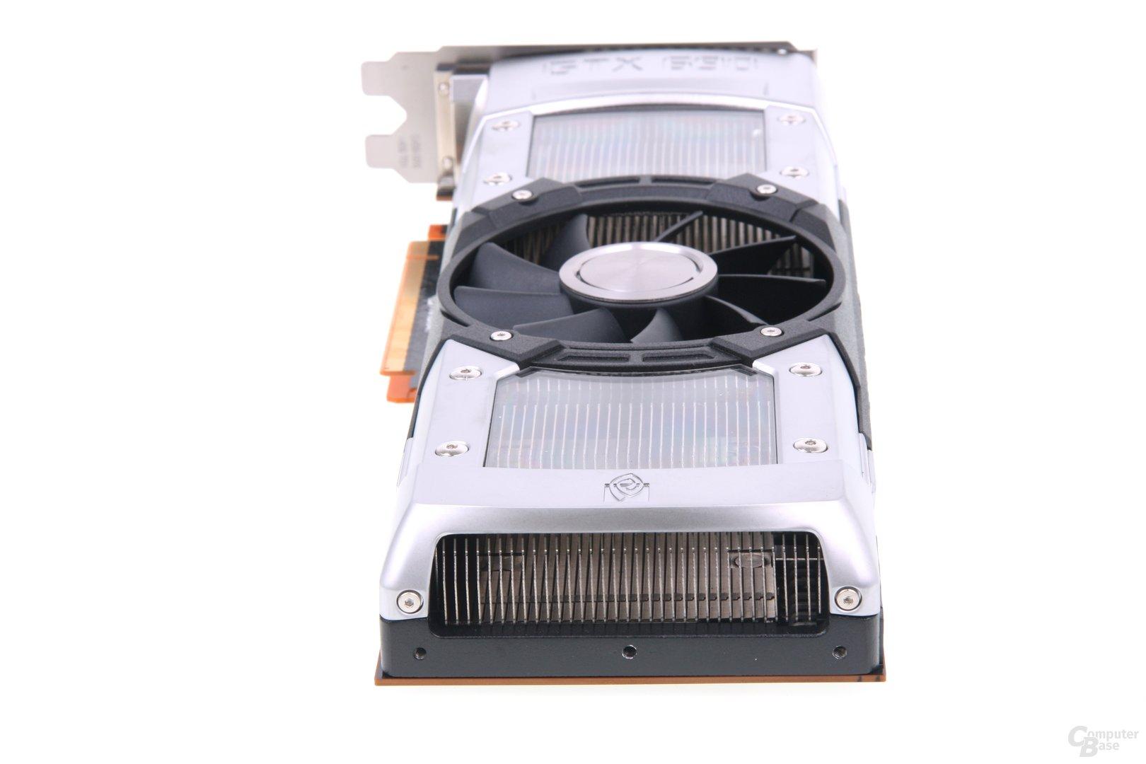 GeForce GTX 690 von hinten