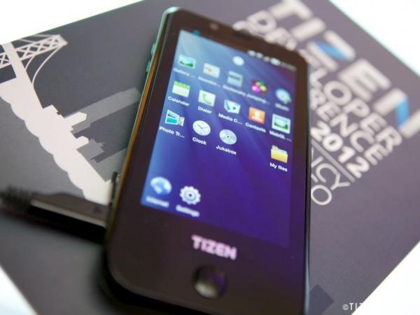 Erstes Tizen-Smartphone von Samsung