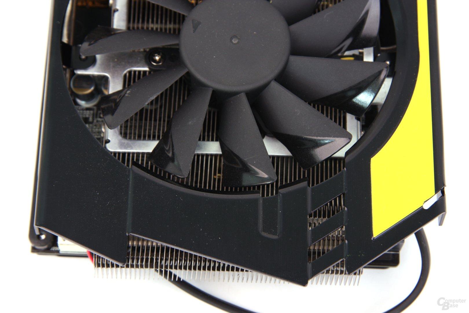 Radeon HD 7970 Lightning von oben