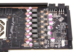 Radeon HD 7950 DCII Stromversorgung