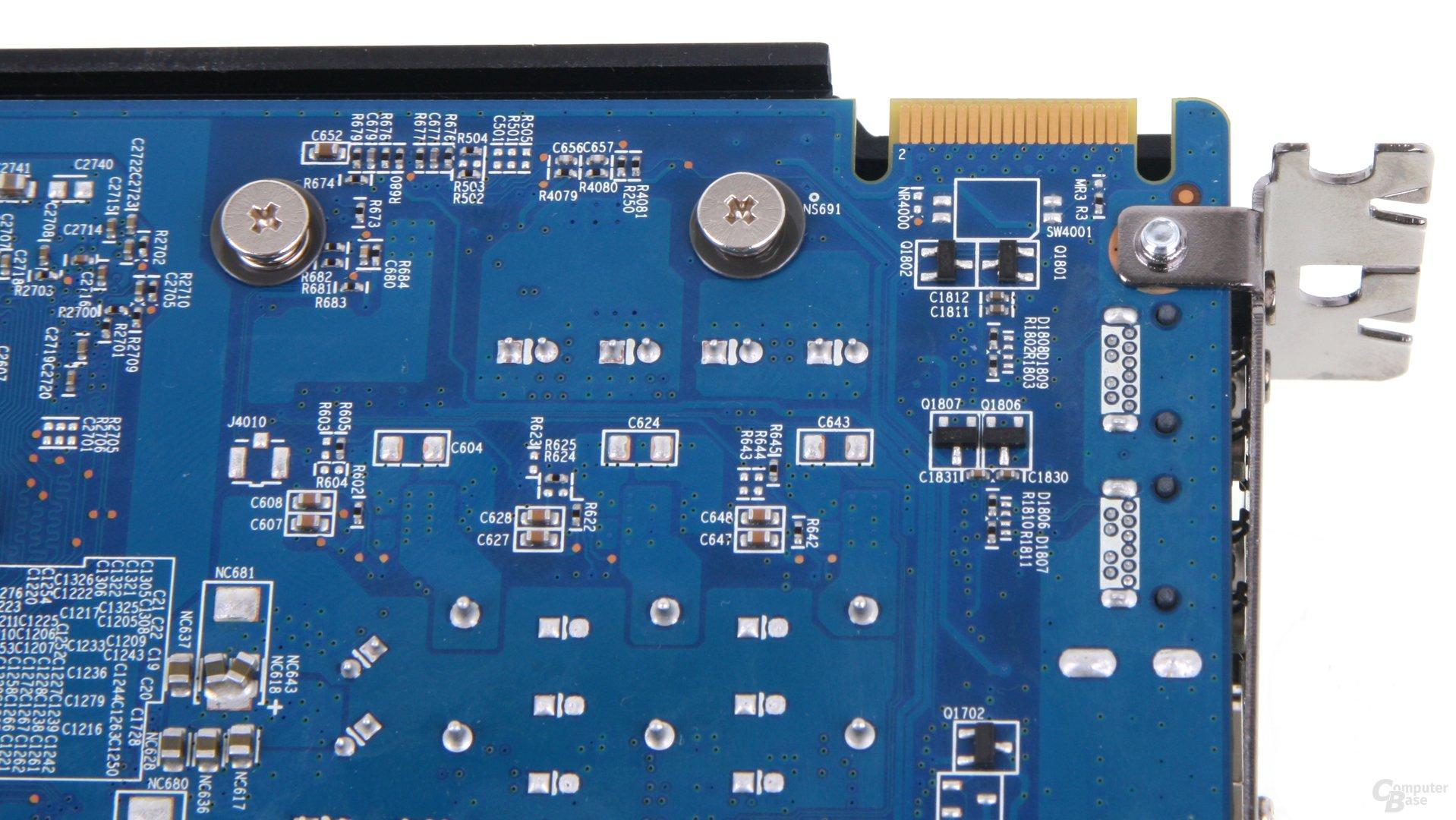 Radeon HD 7870 CF-Anschlus