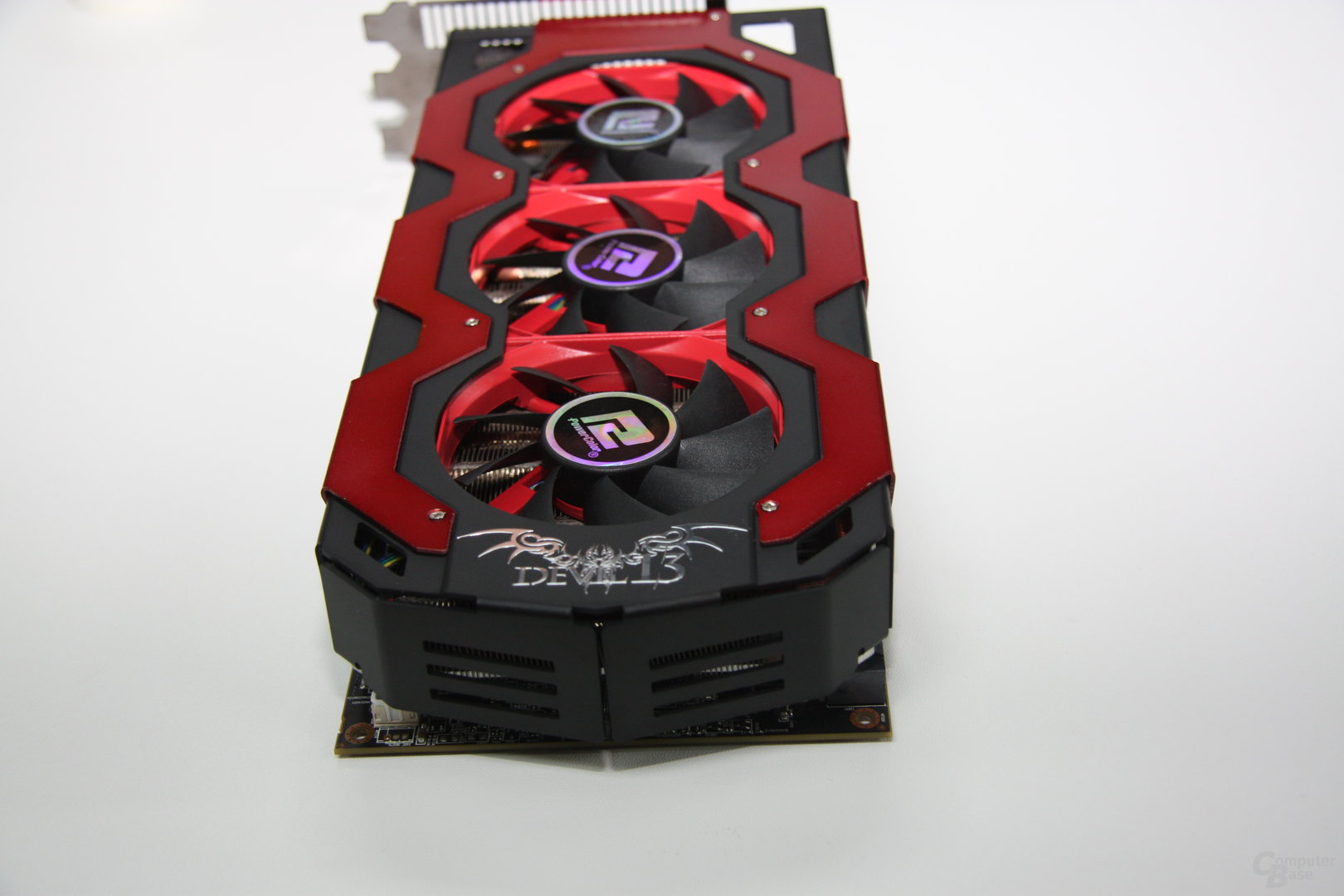 PowerColor Radeon HD 7970 X2 Devil 13