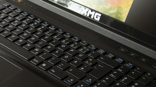 Schenker XMG A502 im Test: Viel Spieleleistung für 1.279 Euro