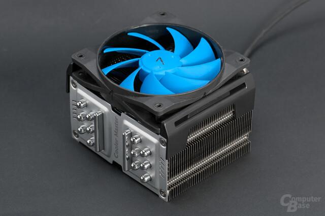 Cooler Master TPC 800 mit 120-mm-Referenzlüfter