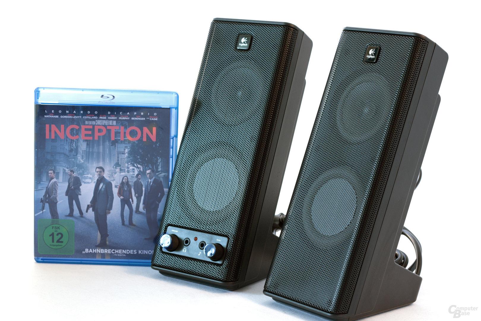 Größenvergleich mit einer Blu-ray-Box