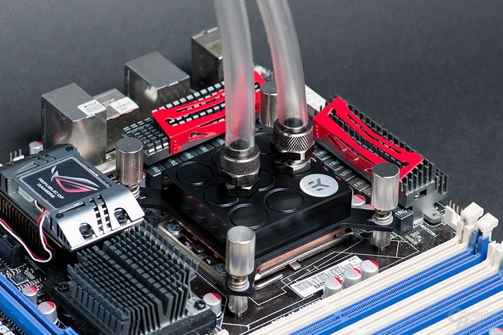 EK Water Blocks Supremacy auf Intel Sockel 1366