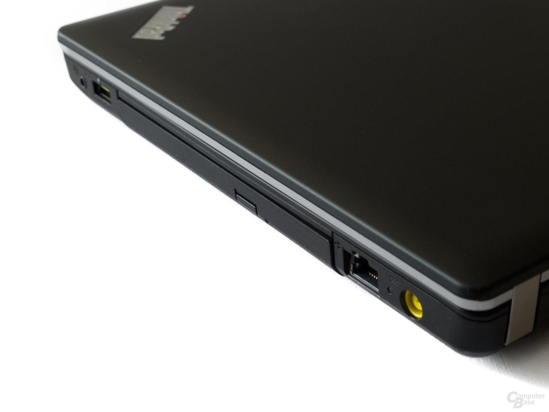 Anschlüsse rechts: Audio, USB 2.0, Ethernet