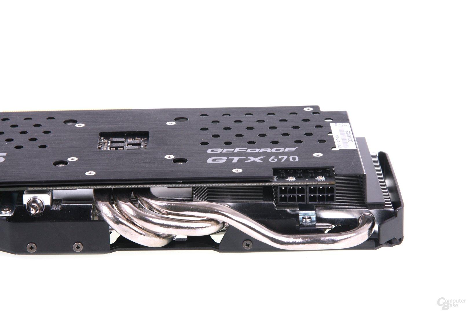 GeForce GTX 670 DCII OC HEatpipes und Stromanschlüsse