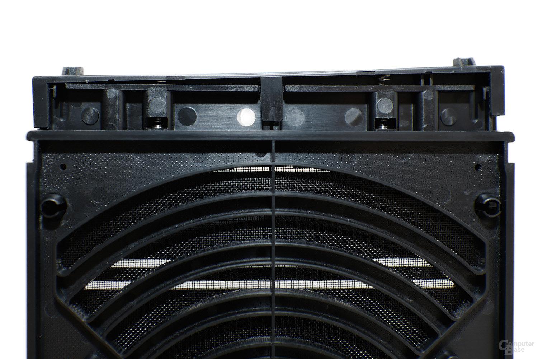 CoolerMaster Silencio 650 – Raste der Frontabdeckung