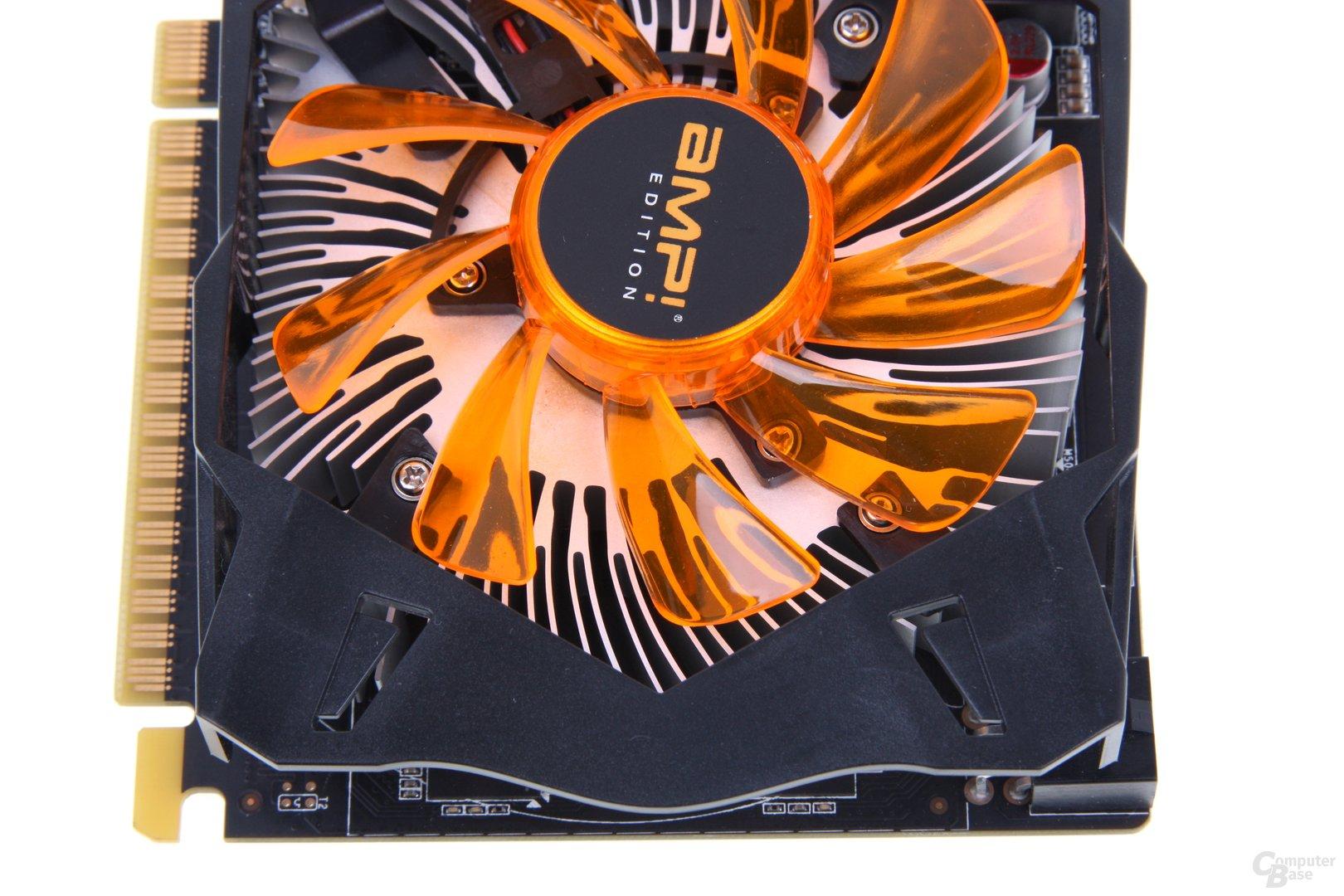 GeForce GTX 650 Ti AMP! von oben