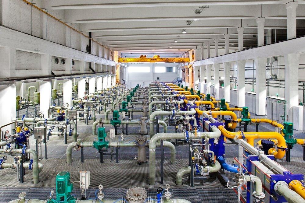 Diese Kühlanlage versorgt das Rechenzentrum mit Wasser