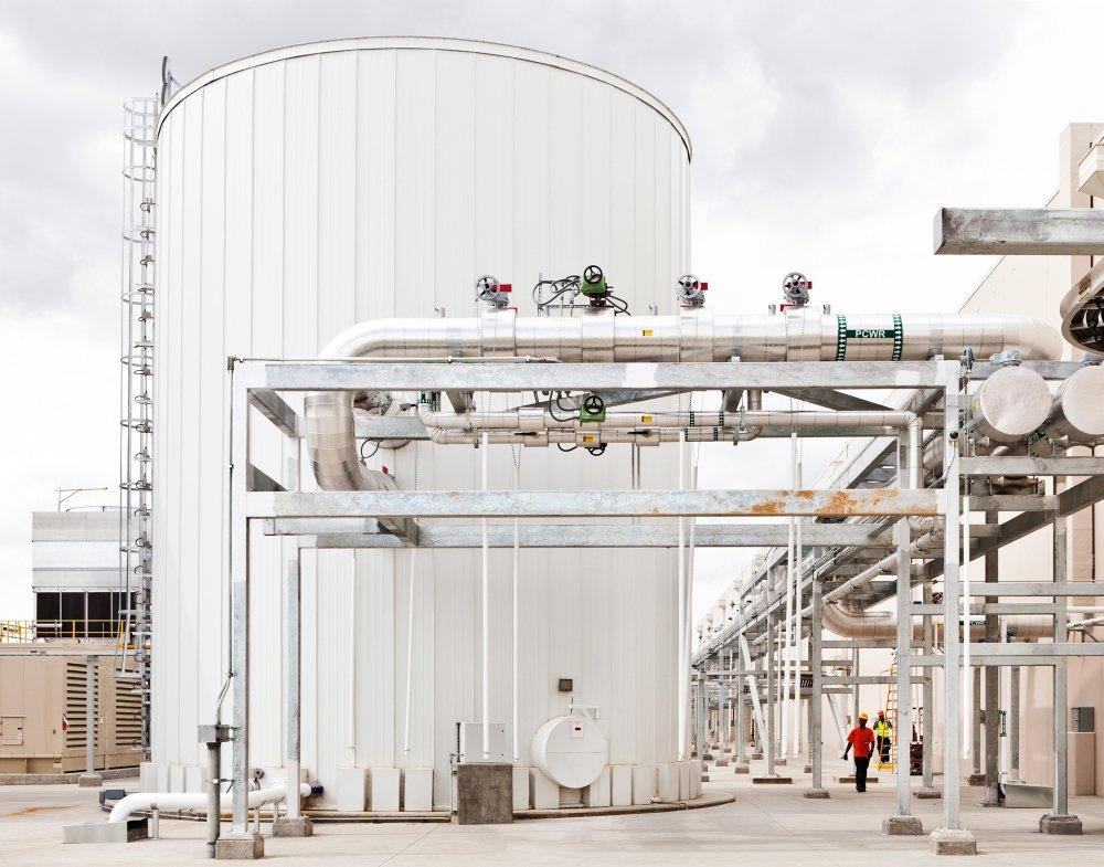 Bis zu 900.000 Liter Wasser werden in diesen Tanks gespeichert
