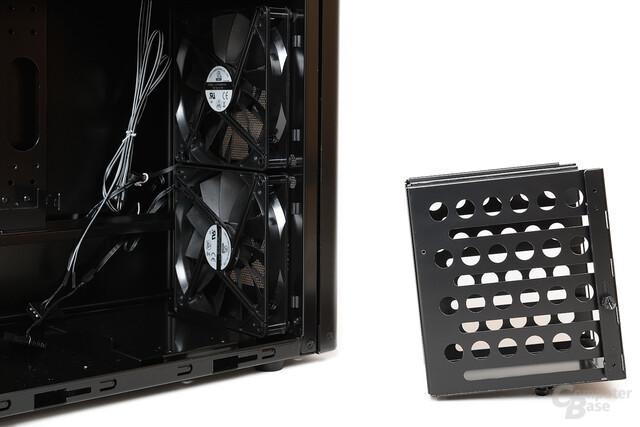 Lian Li PC-7HX – Festplattenkäfig entfernt