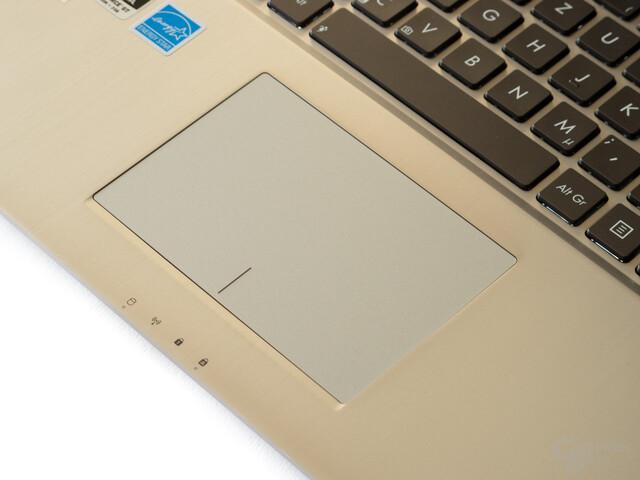 Großes Touchpad mit guter Gestenerkennung
