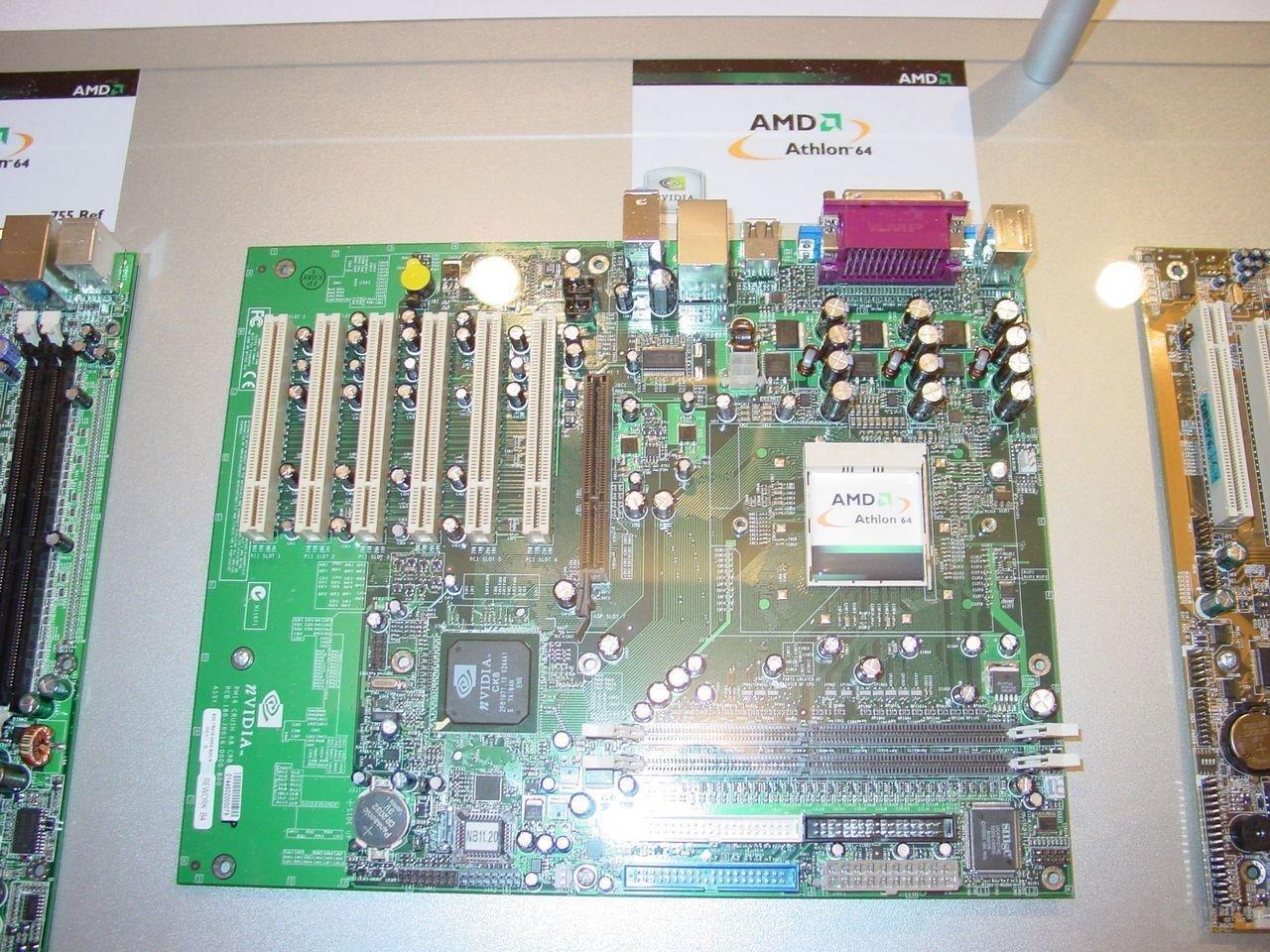 nVidia Crush K8 Referenzboard.JPG