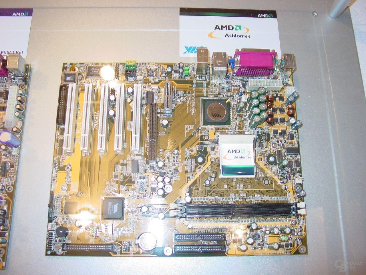 VIA K8400M Referenzboard.JPG