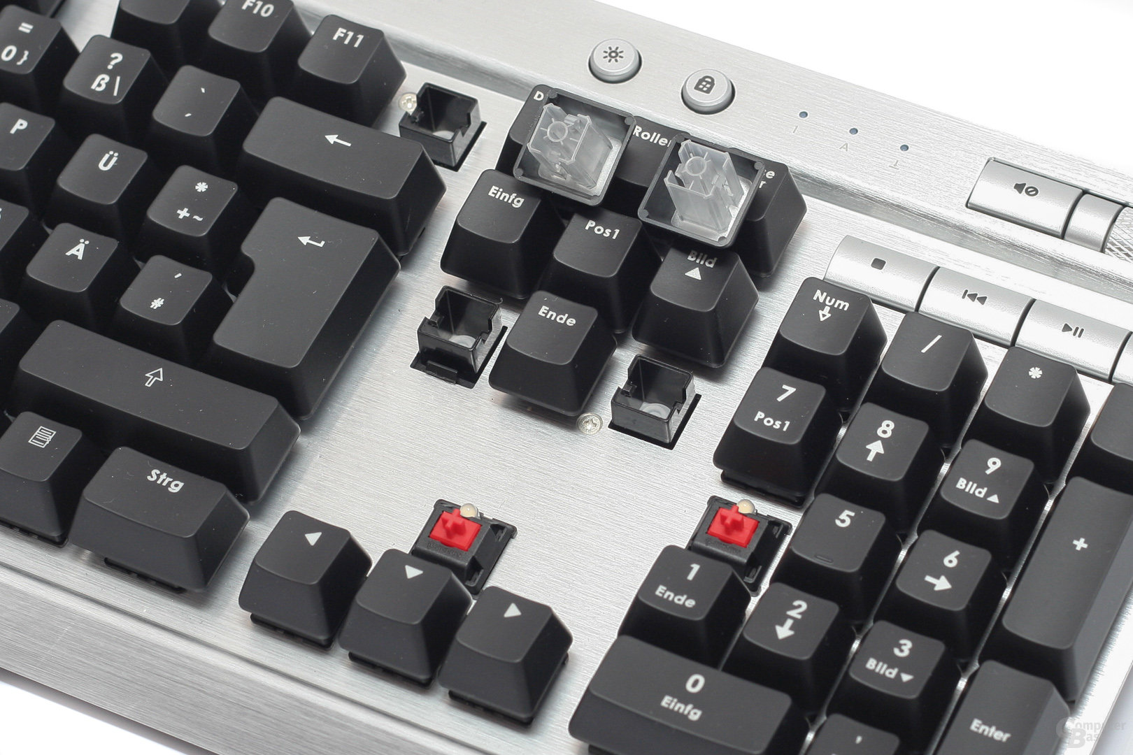 Corsair K90 – Cherry trifft Rubberdome