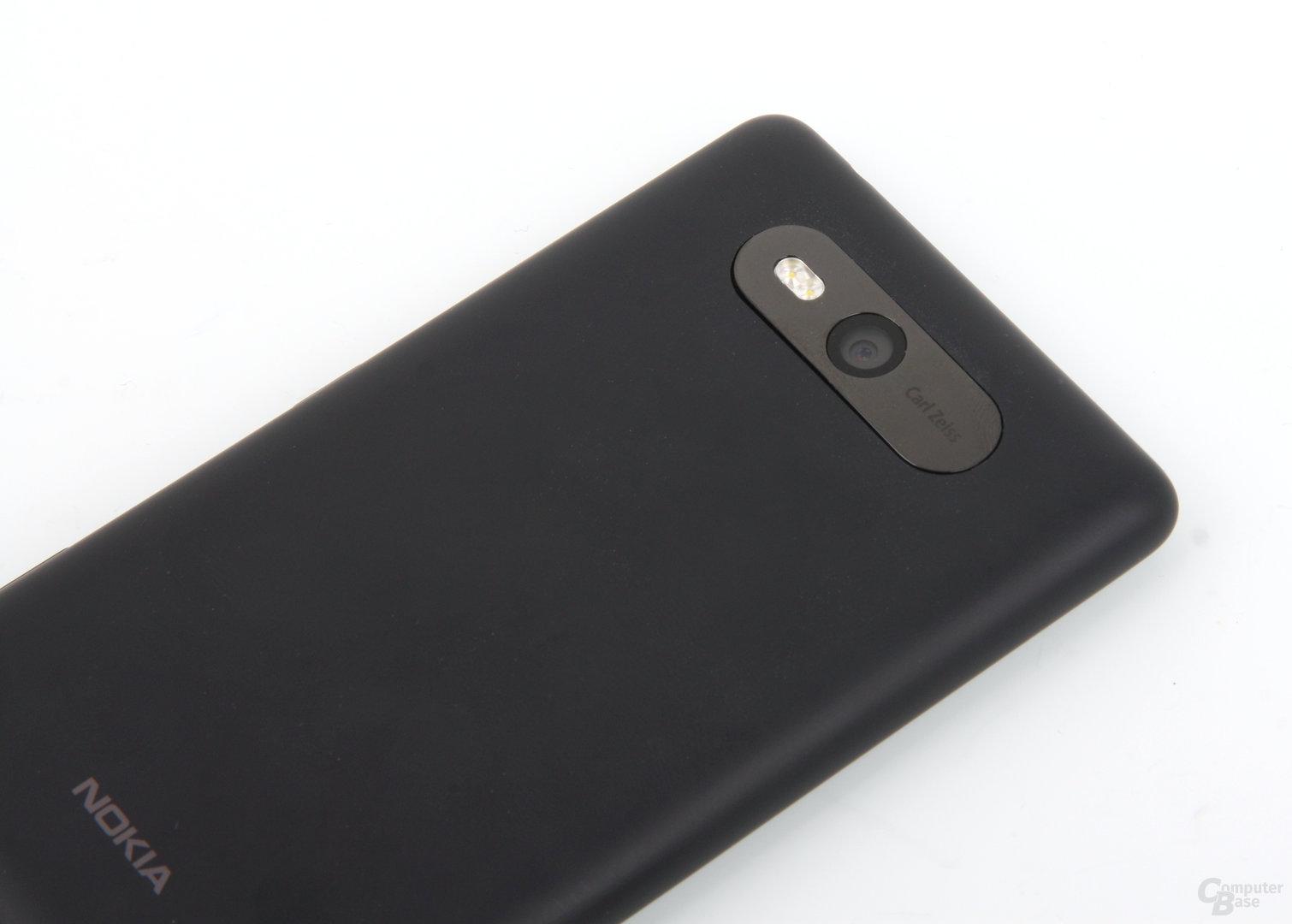 Nokia Lumia 820 Rückseite