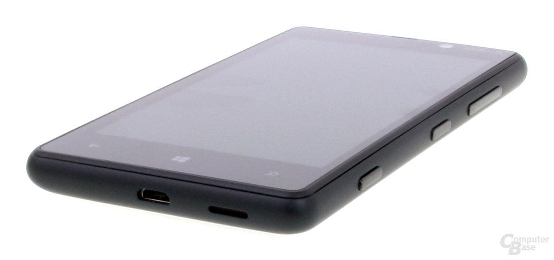 Nokia Lumia 820 Anschlüsse