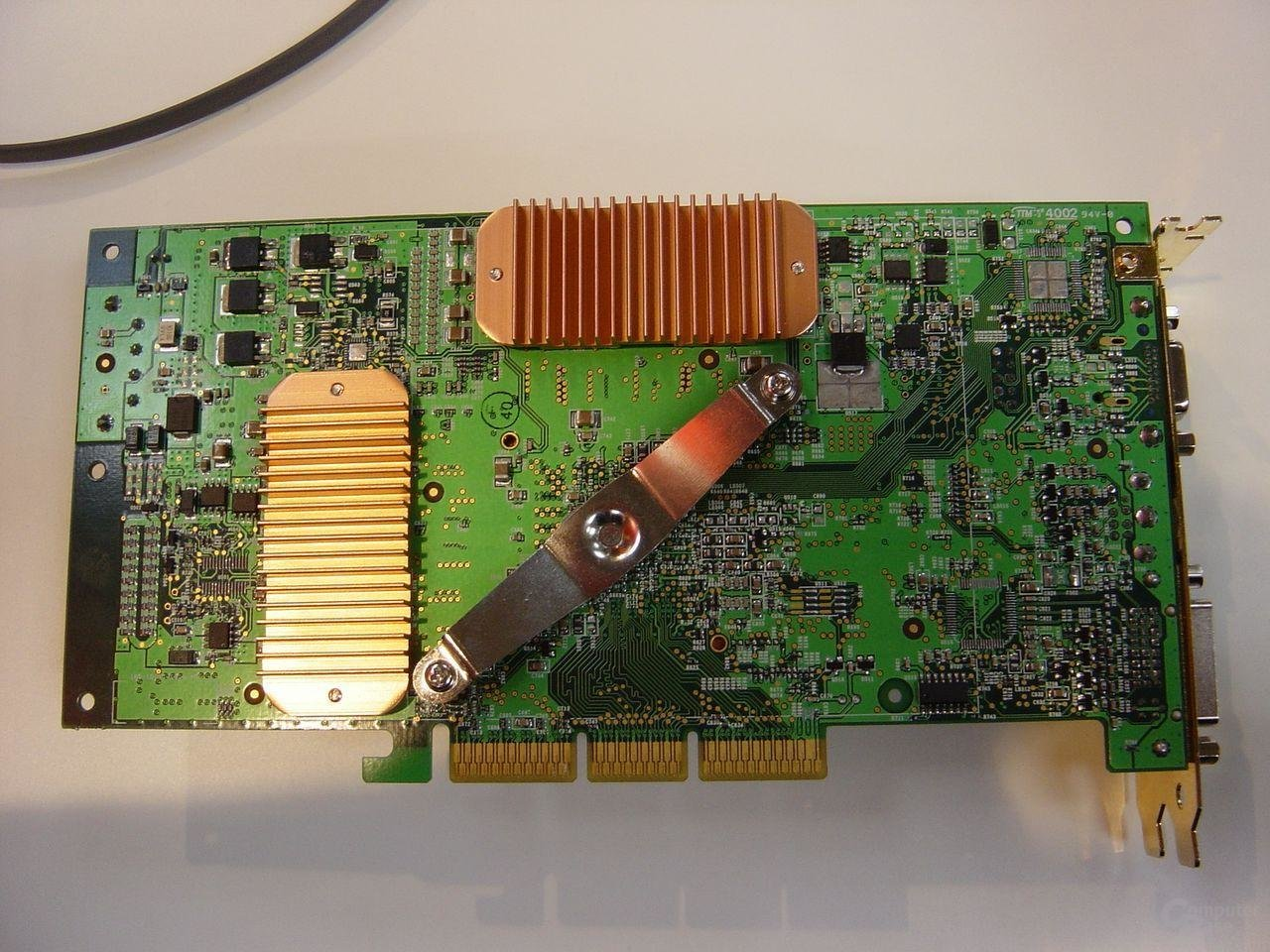 Abit Siluro FX 5800