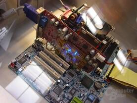 Radeon 9700 mit blauem Lüfter