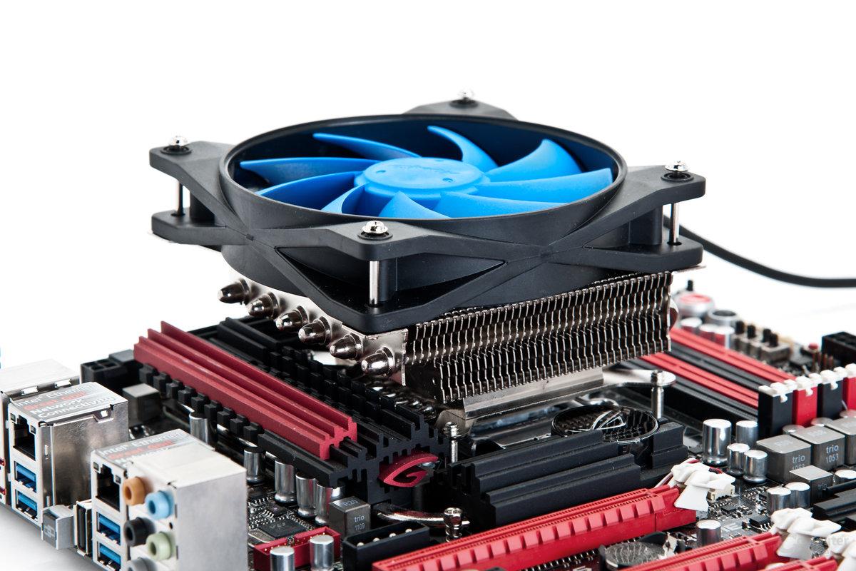 Kompakter Kraftprotz: Gute Kühlleistung für CPU und Peripherie