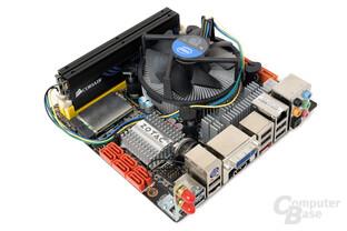 Zotac H55ITX-C-E mit Intel Core i5-661 und Boxed-Kühler