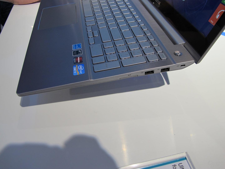 USB-Ports rechts