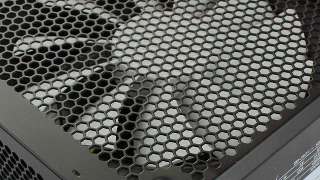 Fractal Design Tesla R2 500W im Test: Auftakt ohne bleibenden Eindruck