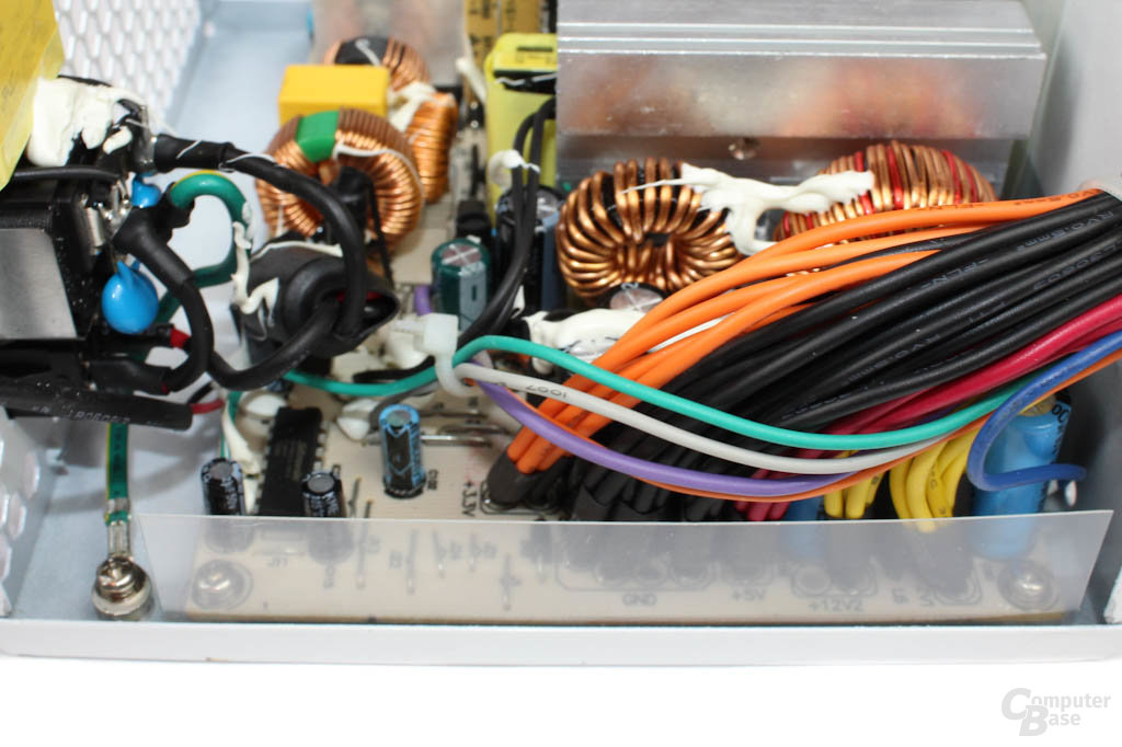 LC-Power Silver Shield – Elektronik im Detail