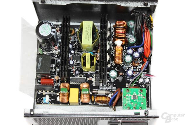Enermax Triathlor 300 Watt – Überblick Elektronik