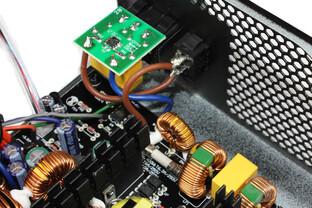 Enermax Triathlor 300 Watt –  Eingangsfilterung im Detail