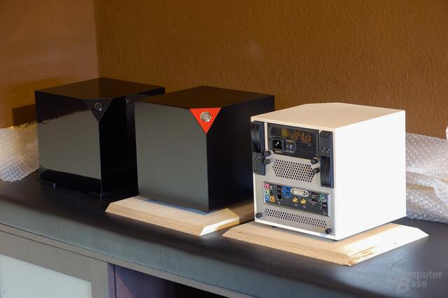 Inkubus 300µ in verschiedenen Farben und links aus Glas