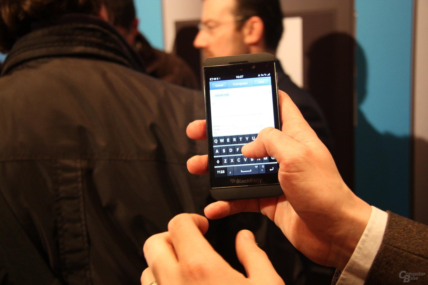 BlackBerry Z10 und Q10 erklärt