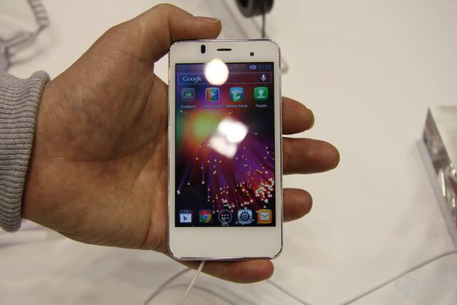 Alcatel One Touch Star ausprobiert