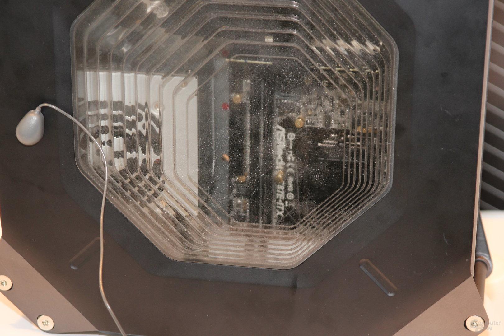 """ASRocks Mini-ITX-Gehäuse mit """"Haswell""""-ITX-Platine"""
