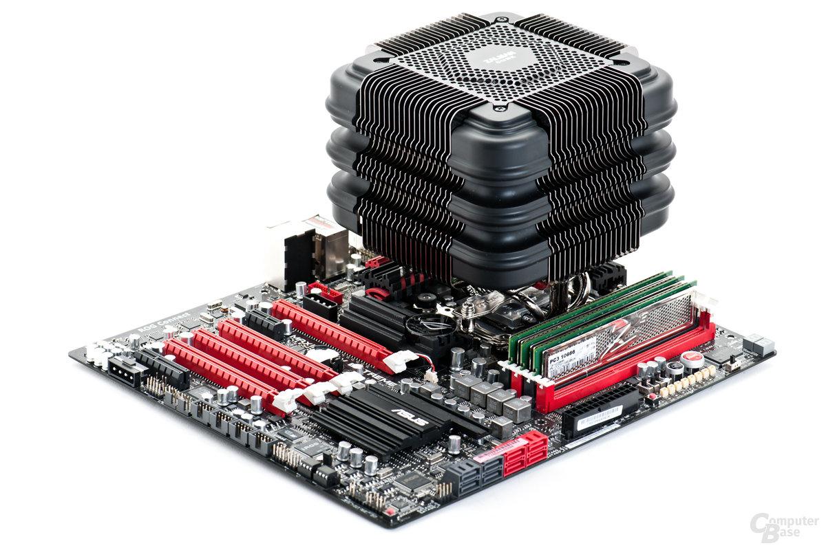 Zalman FX100 auf Testplattform montiert
