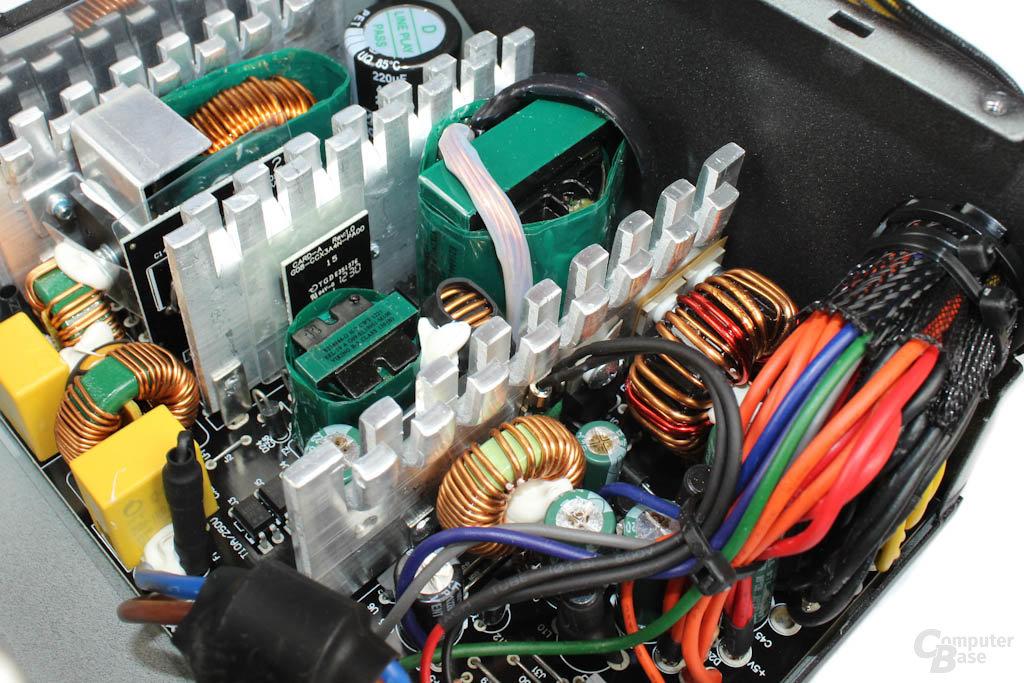 Corsair CX500 - Elektronik im Detail