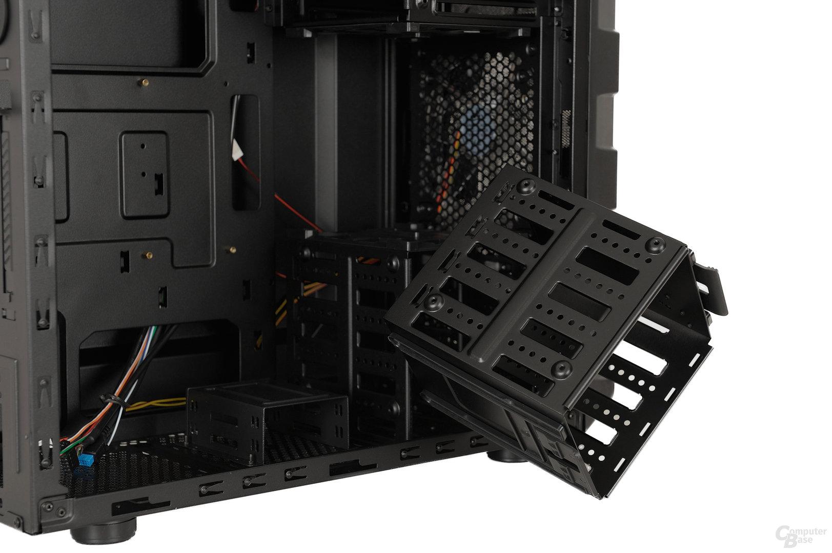 Enermax Ostrog GT - Entfernter HDD-Käfig