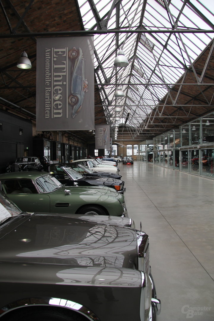 Oldtimer in der Classic Remise in Berlin Moabit