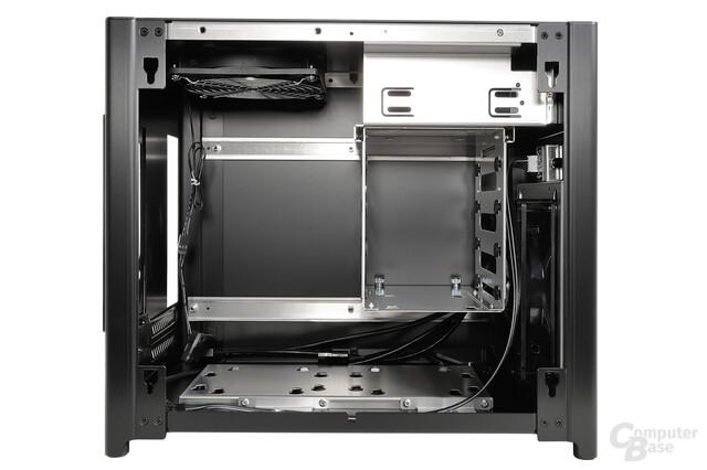 Lian Li PC-Q28 - Vordere Innenraumansicht