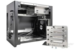 Lian Li PC-Q28 - Oberer Festplattenkäfig ausgebaut