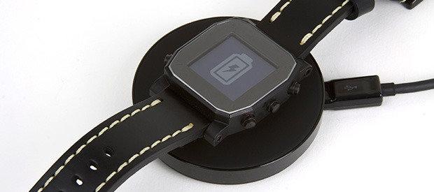 Agent-Smartwatch mit drahtloser Ladetechnik