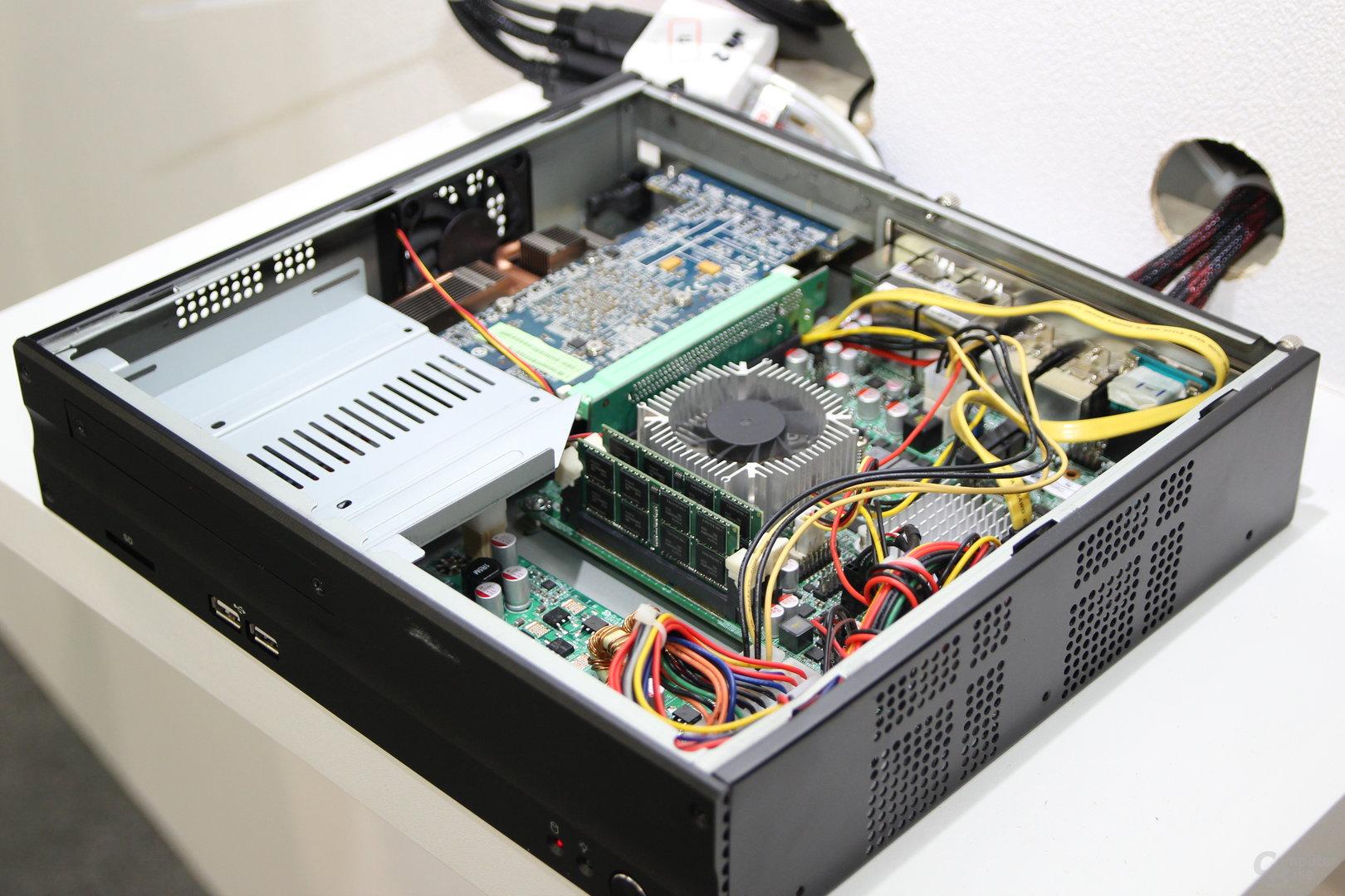 Mini-ITX-Board mit Trinity und Grafikkarte ..