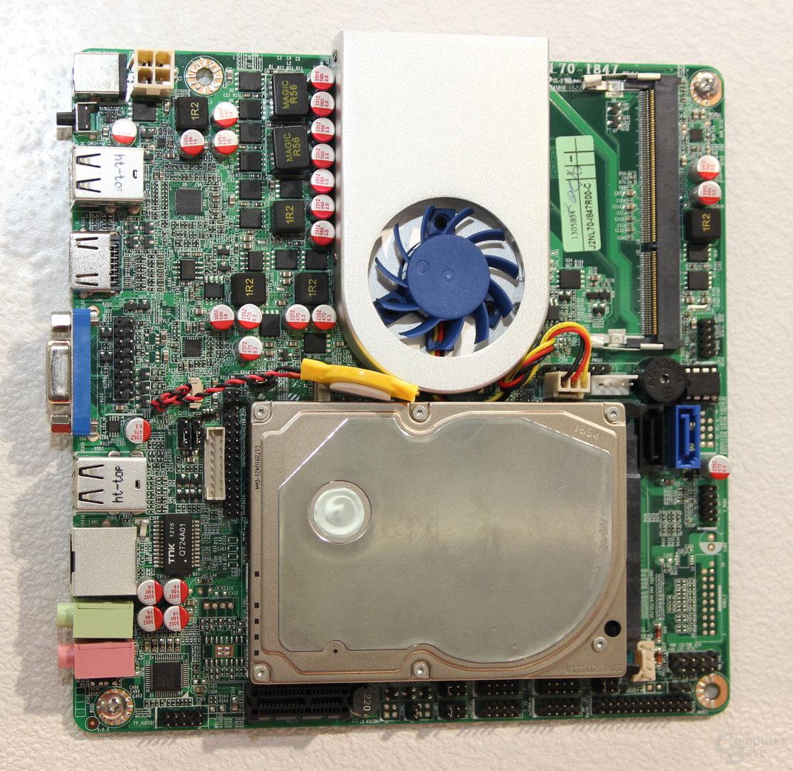 Jetways Mini-ITX-Lösung mit aufgeschraubter HDD