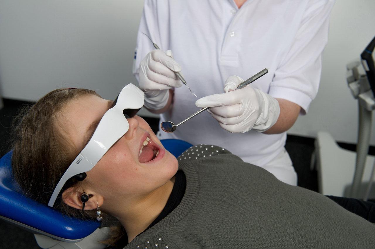 Ablenkung für kleine Patienten beim Zahnarzt